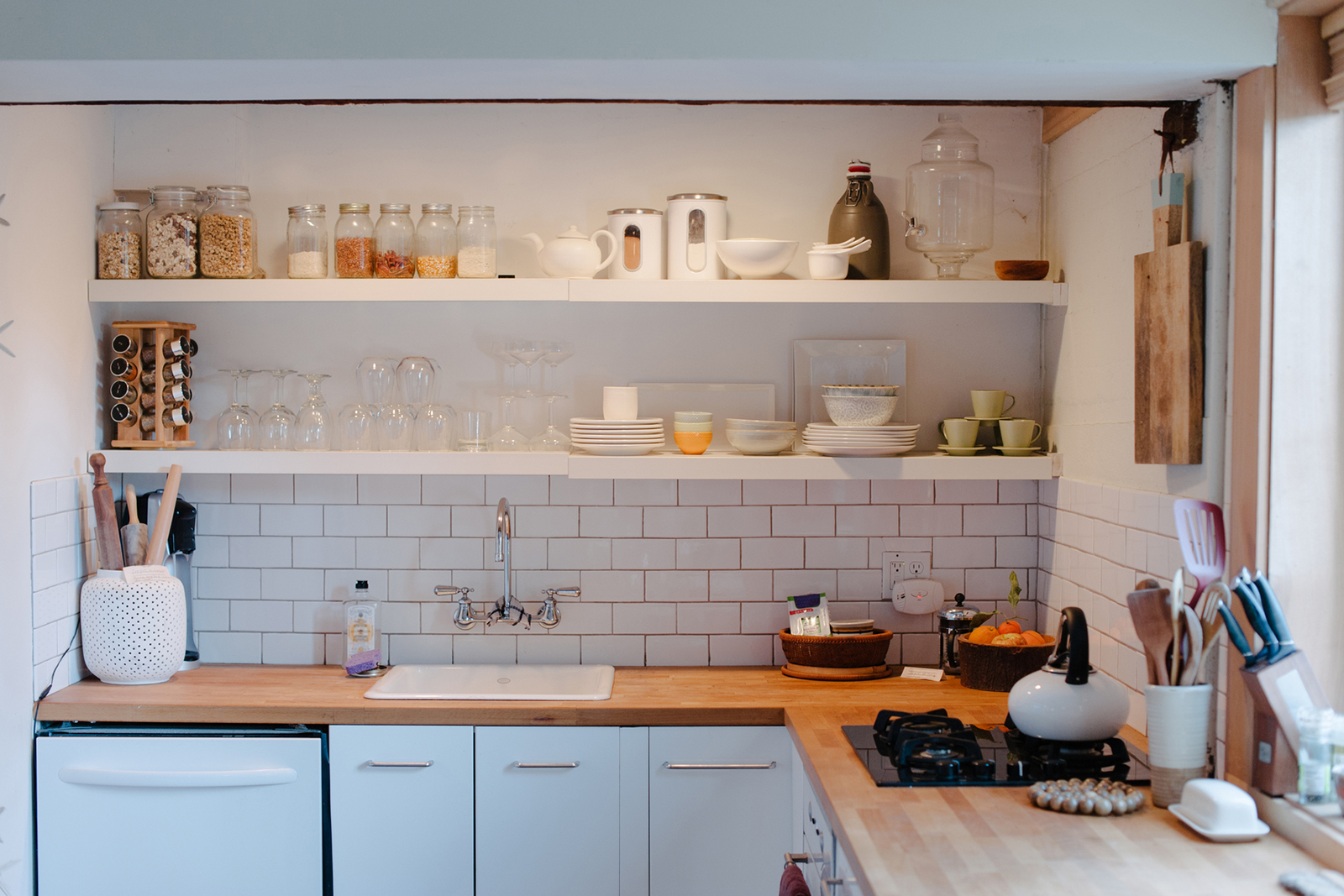 how-regret-kitchen-open-shelving-standard